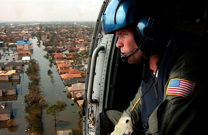1024px-New_Orleans_Survivor_Flyover.jpg