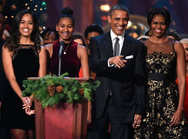 Obama-family-all-smiles-when-took-stage-together.jpg